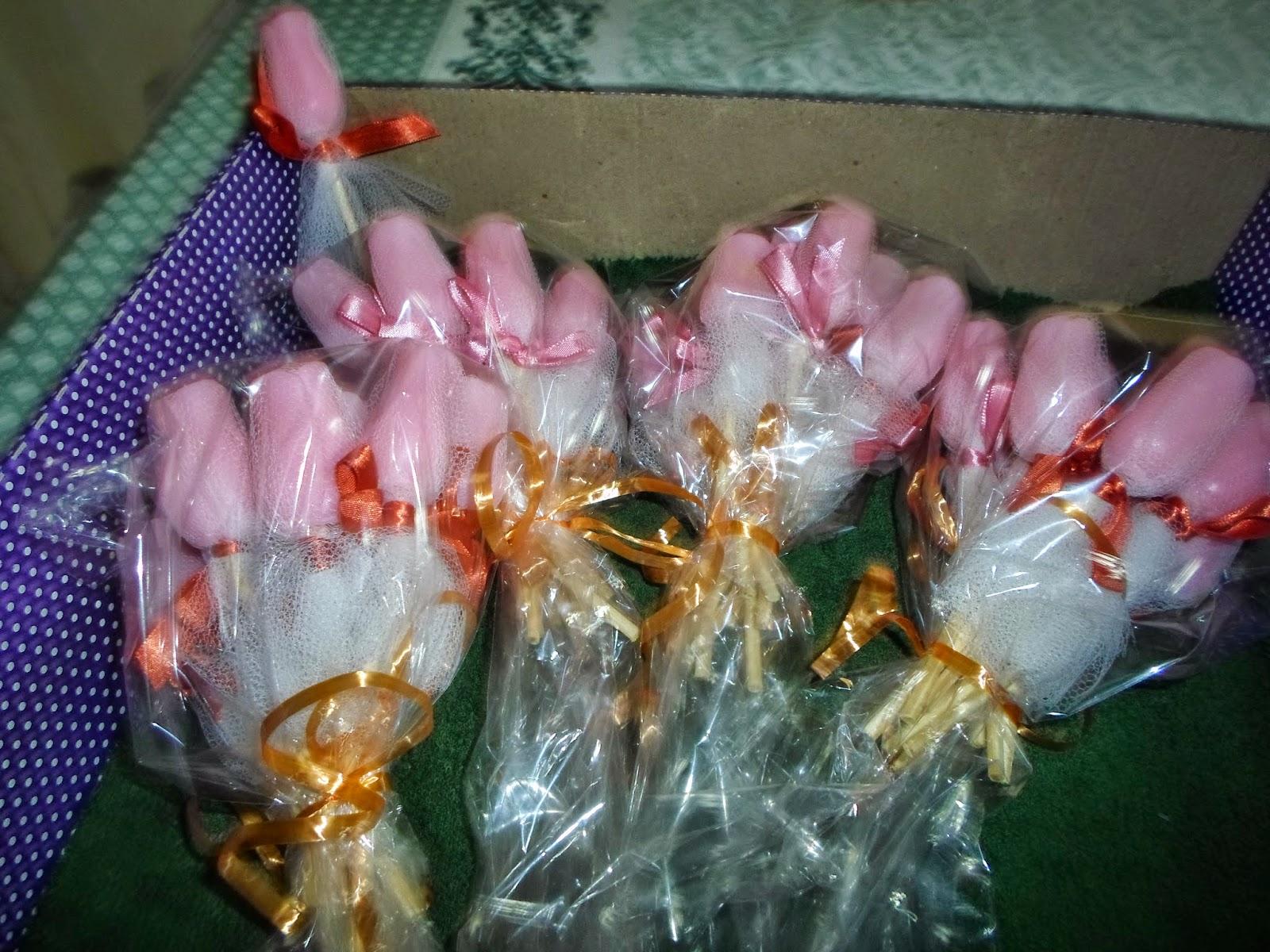 sabonetes artesanais em forma de botão de rosa - essência Dama da Noite