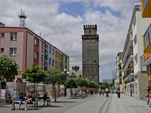 ulica Nysy, mury miejskie, zabytki, opolskie