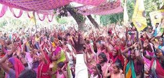 FB_IMG_1568465288284 विशाल सभा मे उपस्थित लोगों को माननीय पूर्व कैबिनेट मंत्री श्री ओमप्रकाश राजभर जी के विचारों को बताते हुए