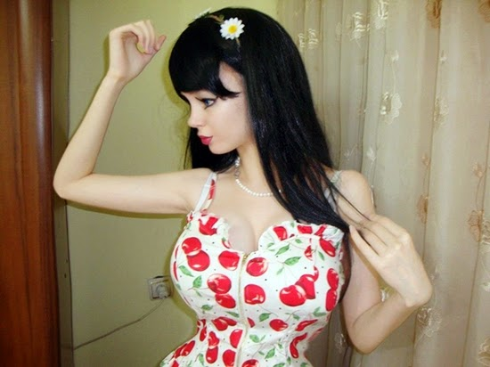 manusia barbie asal ukraina
