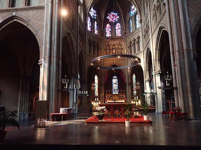 Główna nawa katedry w Eindhoven (maj 2019)