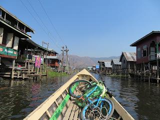 ミャンマーのインレー湖ボートツアー
