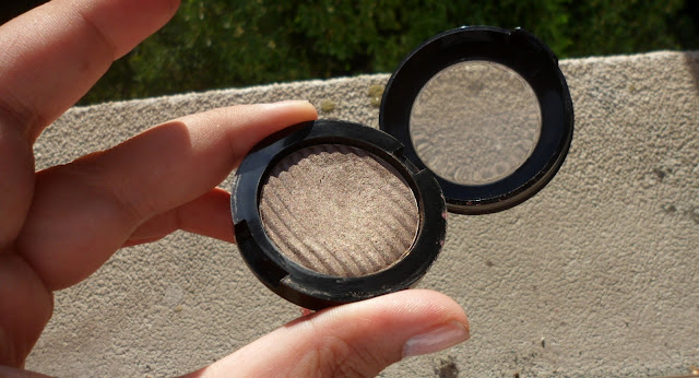 Review: Bottega Verde Eyeshadow in Dove Grey