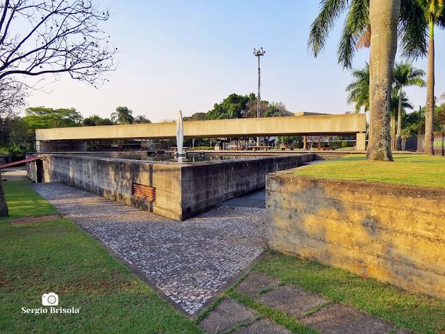 Vista ampla do complexo do Museu Brasileiro da Escultura e Ecologia - MuBE - Jardim Europa - São Paulo