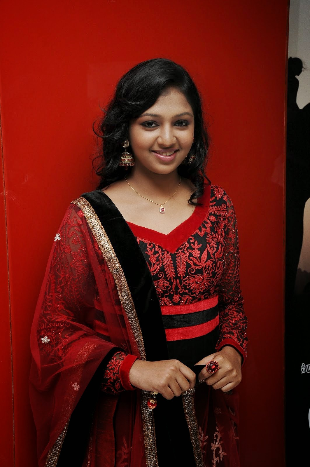 Coogled Actress Lakshmi Menon Hd Pictures-4557