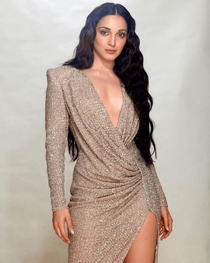 Kiara Advani Hot Photos, Sexy Photoshoot and HD Wallpapers