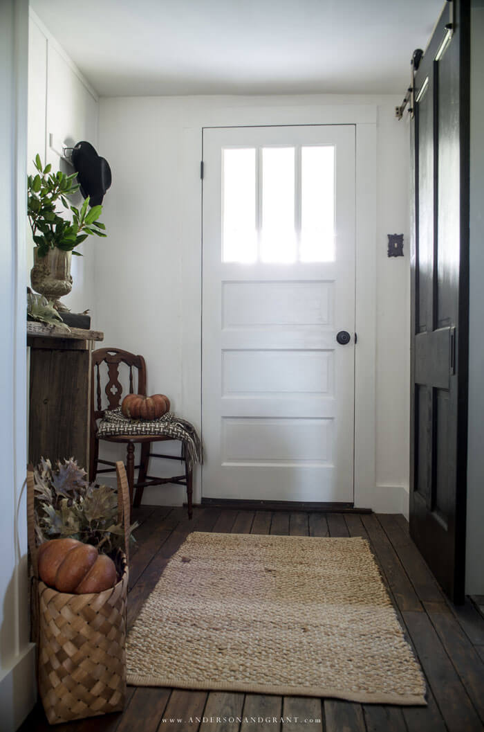 Style your entryway or other rooms for fall with these five must haves.