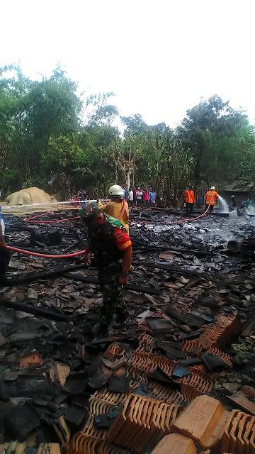 Ditinggal Kondangan dan Merantau, 2 Rumah di Mondokan Terbakar