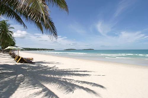 One of the white sand beaches in Hua Hin.