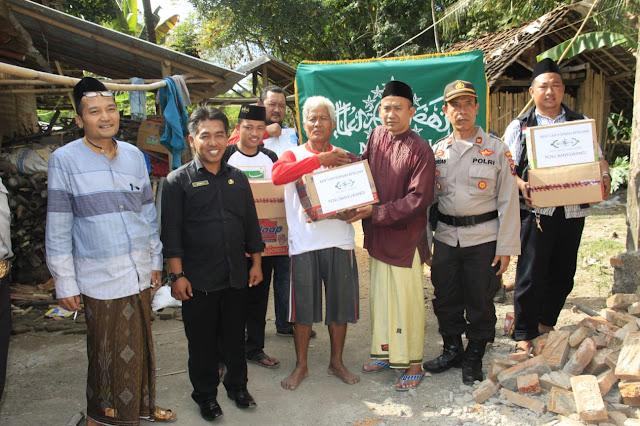 PCNU Banyuwangi Bantu Korban Gempa Nusa Dua Bali di Banyuwangi