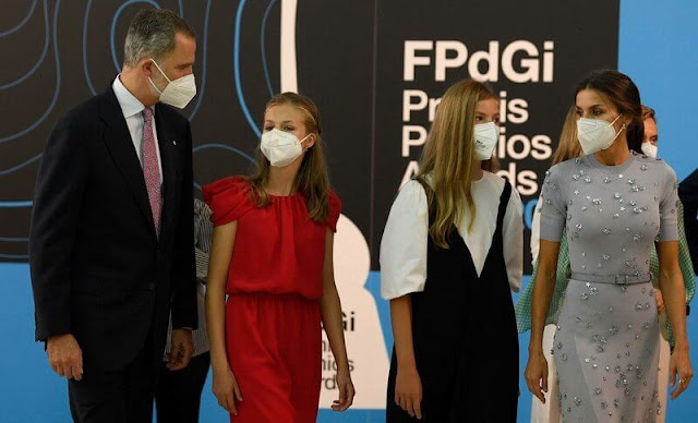 Queen Letizia wore grey dress from Nina Ricci. King Felipe, Crown Princess Leonor and Infanta Sofía