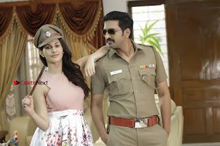 Santhanam Amyra Dastur Starring Odi Odi Uzhaikkanum Tamil Movie Stills  0008.jpg