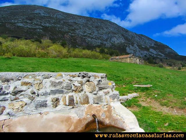 Ruta Retriñon: Fuente en la majada Tabierna