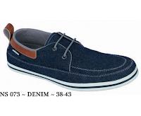 sepatu laki-laki