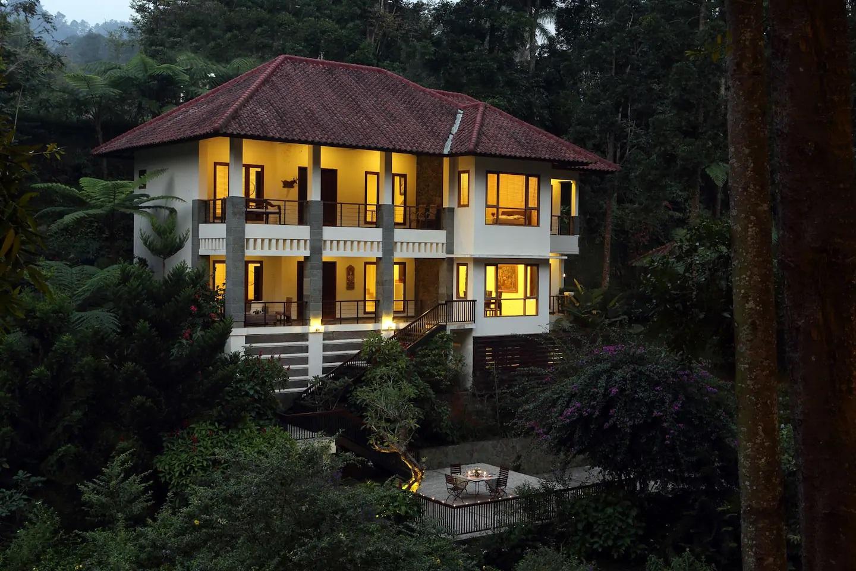 villa romantis di puncak bogor