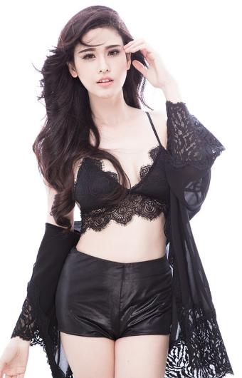 Trương Quỳnh Anh gợi cảm với thân hình sexy