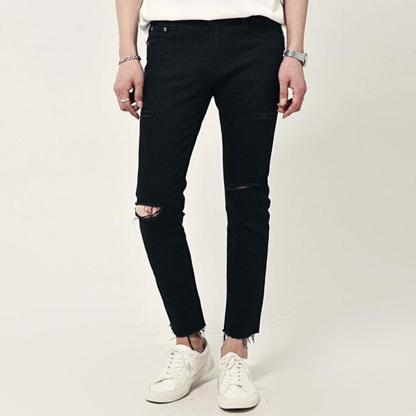 Mẫu quần jean nam rach gối được nhiều người yêu thích