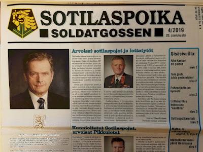 Sotilaspoika-lehden viime vuoden tsenäisyyspäivää käsittelevä numeron etusivu - siinä mm. PV:n ylipäällikön päiväkäsky.