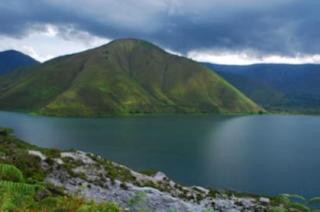 Danau Tektovulkanik