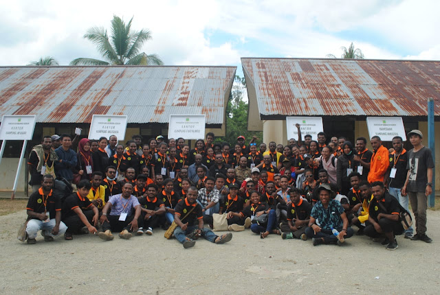 Mahasiswa AP16 FISIP Uncen KKL di Yabanda, Begini Harapan Kadistrik Yaffi