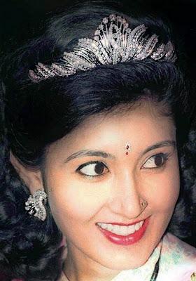 diamond tiara queen komal nepal crown princess himani shah