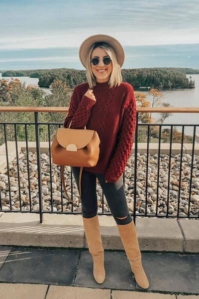 25+ Chilly Fall Outfits That Are Chic and Easy | Knit Sweater + Skinny Jeans + Leather Boots