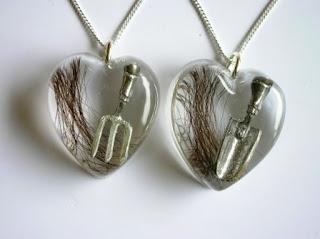 Keepsake hair pendant for a keen gardener