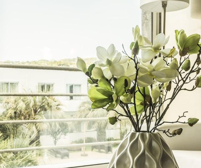 Finestre scorrevoli a tutto vetro: un concetto di design sempre più ricercato e alla moda