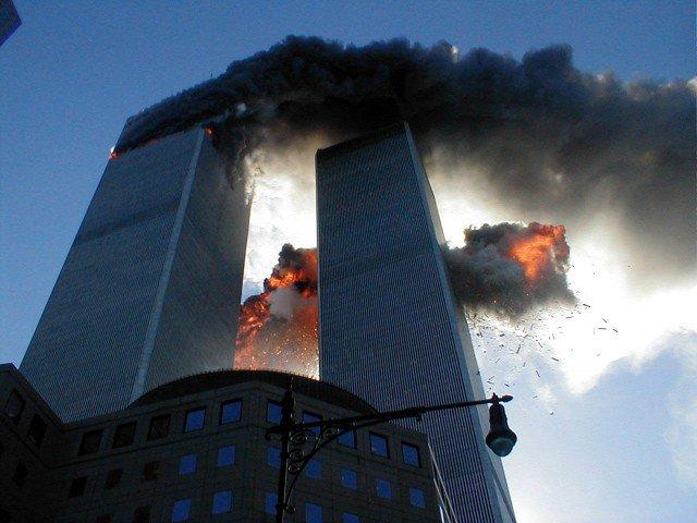 A-15-anos-de-la-terrible-tragedia-de-las-torres-gemelas-que-dejo-mas-de-3-mil-muertos-en-NY