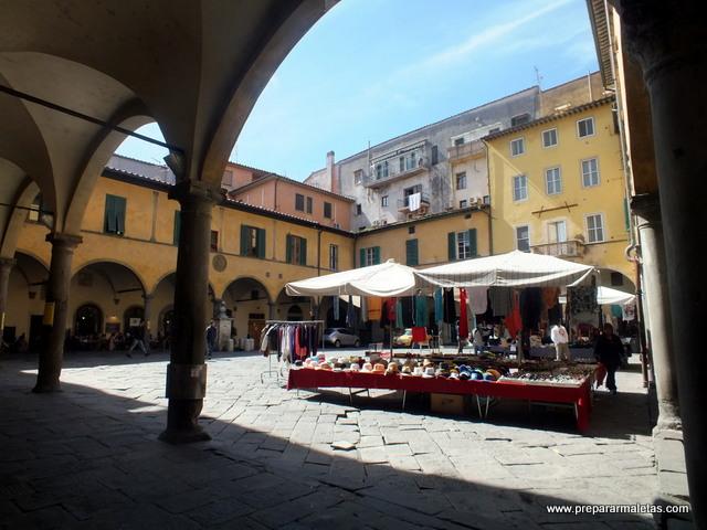 plazas de Pisa Toscana