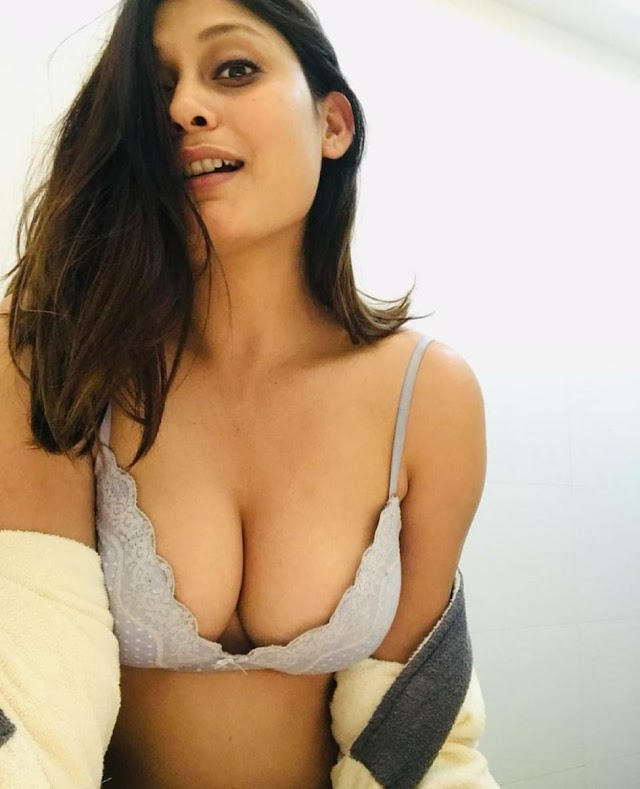 Get your young power back in then embrace of mind blowing Delhi escorts by www.poojaescorts.com .