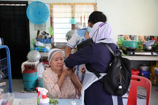 Malaysia Will Switch to Pfizer, Stop Using Sinovac Vaccine