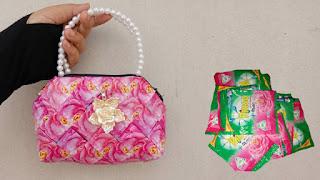 Dompet dari bungkus deterjen