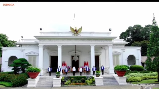 Sah! Jokowi Perkenalkan 6 Menteri Baru, Ada Sandiaga Uno