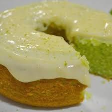 https://www.receitasnoface.com.br/2020/03/receita-de-bolo-verde-de-limao.html