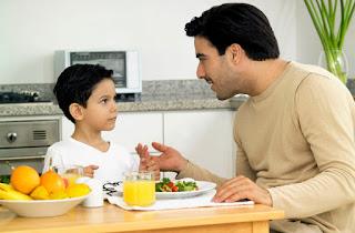 Tips bagi Orang Tua Mengantar Anak Masuk Sekolah Pertama Kali