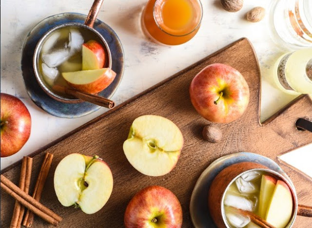 Caramel Apple Moscow Mule #drinks #alcohol