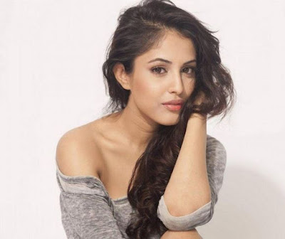 Priya Banerjee Looks from Hume Tumse Pyar Kitna, Priya Banerjee Images, HD Wallpapers
