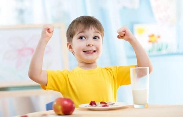 bổ sung yến sào cho trẻ tăng cường đề kháng