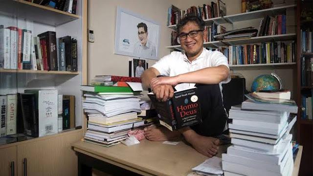 Budiman Dinilai Tiru Gaya Rocky Gerung Gegara Komentari Penusukan Syekh Ali Jaber