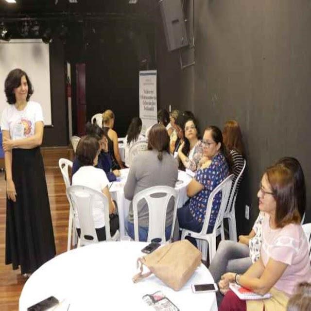 Professores da rede municipal participam de formação para a Educação Infantil