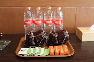 Air mineral, bandrek, dan teh