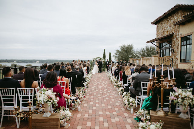 ceremony on verandah at bella collina