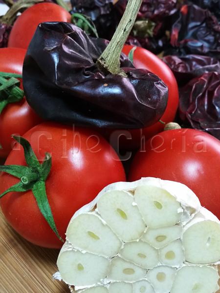 Ñoras, ajos, tomates...