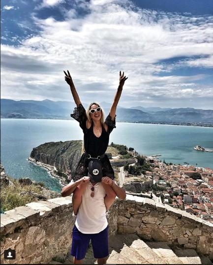 Ζευγάρια της Κυπριακής Showbiz στο Ναύπλιο για διακοπές