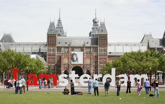 Ficar hospedado na região das Praças dos Museus