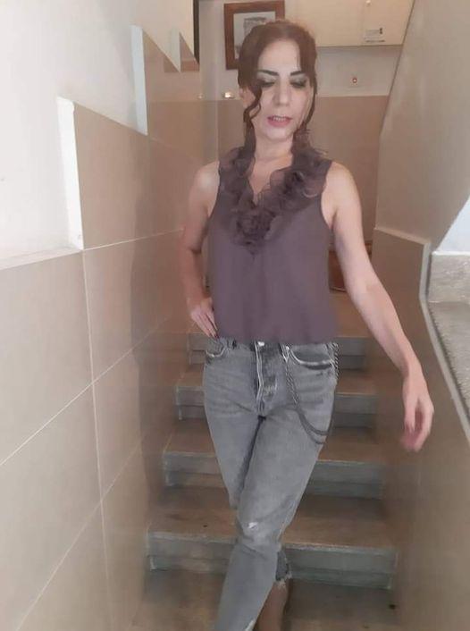 الإعلامية تغريد عبساوي نجمة تنحدر من أصول لبنانيه