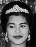 diamond tiara queen sirikit thailand