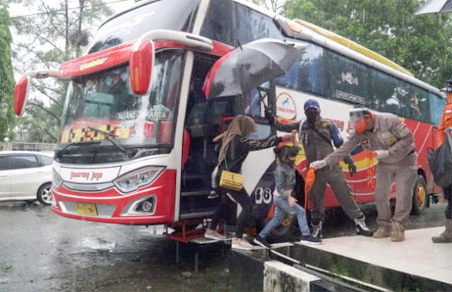 Tiba di Padang, 114 Perantau Kabupaten Solok Langsung Dikarantina