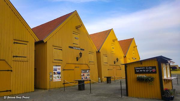 Fredriksvern, antiguos almacenes navales - Noruega, por El Guisante Verde Project